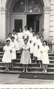 Spitalul-Filantropia.-Un-grup-de-medici-și-asistente-din-perioada-anilor-1960