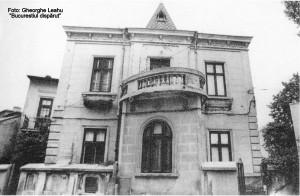 3. Casă cu balcon elipsoidal