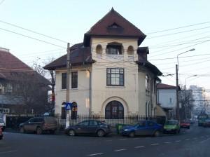 Imobil masiv pe str. Delea Veche colț cu str. Cireșului